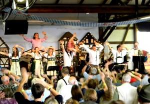Donaumusikanten and Musikmakers - und das Fliegerlied - 2011 in Mt. Angel