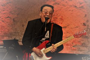 Ronnie Aguiling (Smile) – Guitar, Vocals