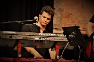 Daniel Betz (Antenne Bayern Band) – Keyboards, Vocals