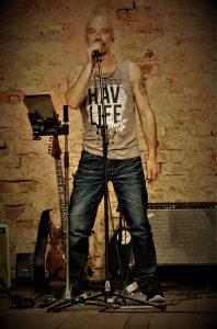 Peter Hahner (Falco meets Queen, Number Nine) – Guitar, Vocals